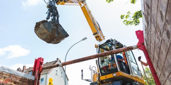 Wittek-Bau verfügen über schweres Gerät und können Kanalbauarbeiten bis zu einer Tiefe von 3 Metern ausführen.